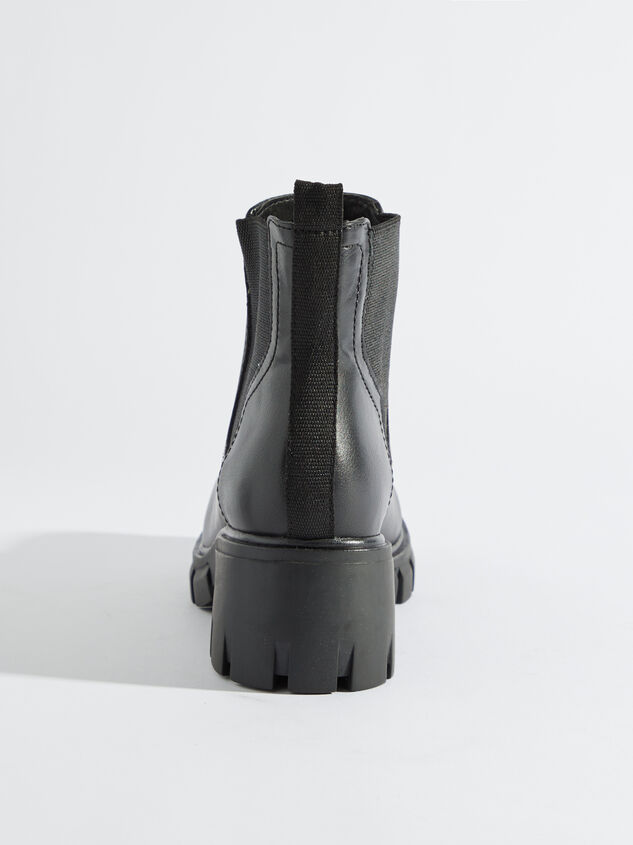 Johleen Boots Detail 4 - Altar'd State