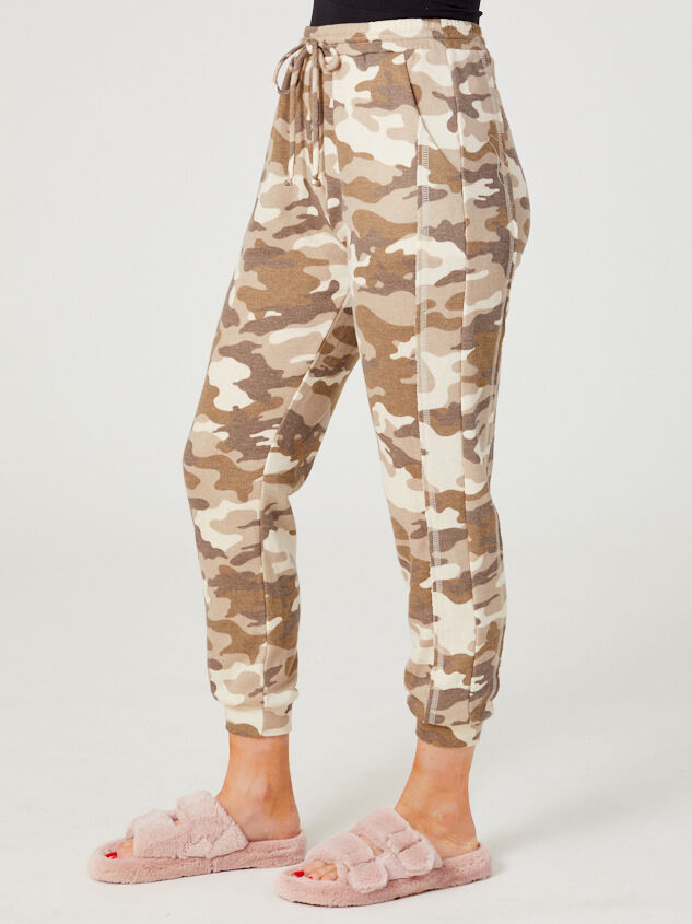 Altar'd State Revival Camo Joggers Detail 3 - Altar'd State