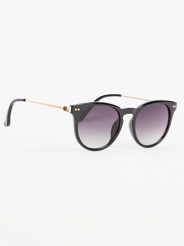 Memory Lane Sunglasses Detail 2 - Altar'd State
