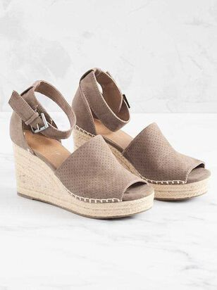 Marie Wedges - Altar'd State