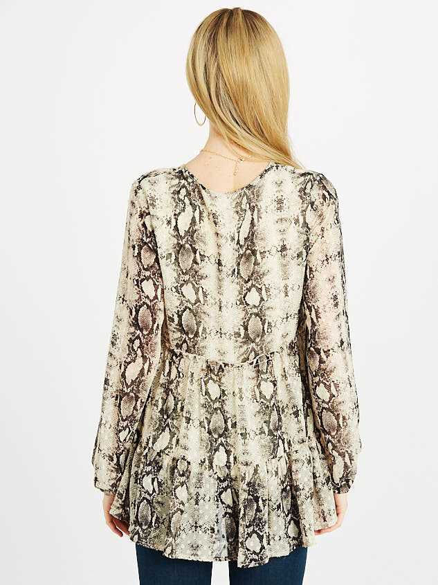Snakeskin Tiered Top Detail 3 - Altar'd State