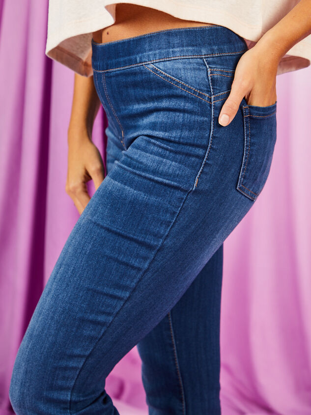 Luttrell Flare Jeans Detail 6 - Altar'd State