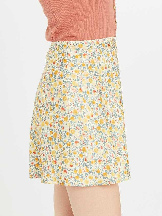 Buttercup Skirt Detail 3 - Altar'd State