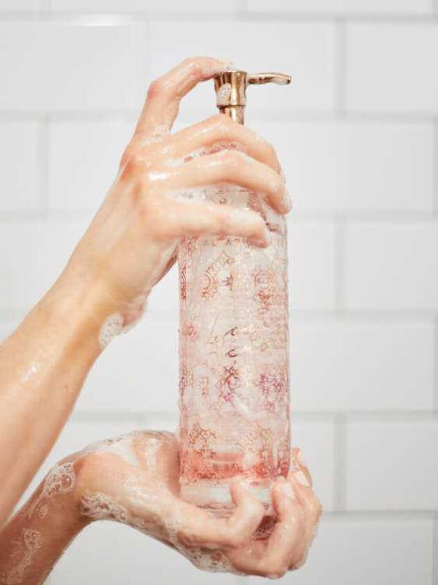 Love Scroll Body Wash - Altar'd State