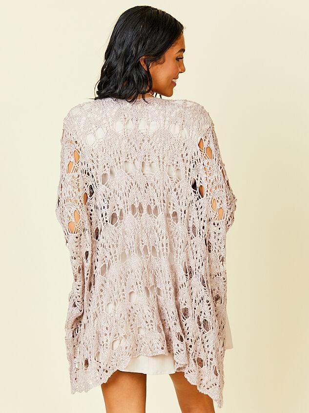 Dustie Crochet Kimono Detail 3 - Altar'd State