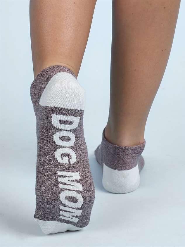 Dog Mom No-Show Socks Detail 3 - Altar'd State