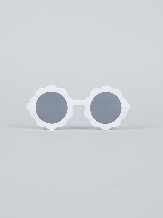 Tullabee Bloom Sunglasses Detail 2 - Altar'd State