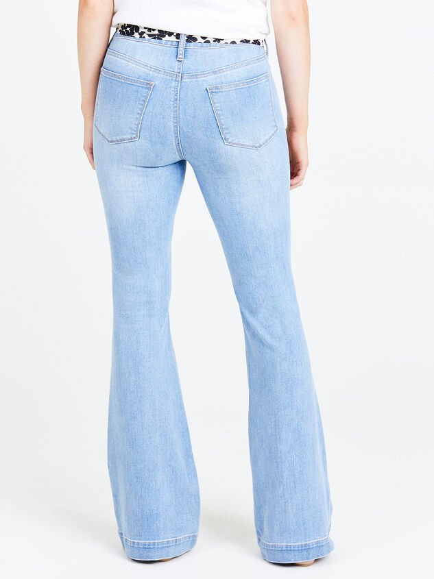 Maysen Flare Jeans Detail 2 - Altar'd State
