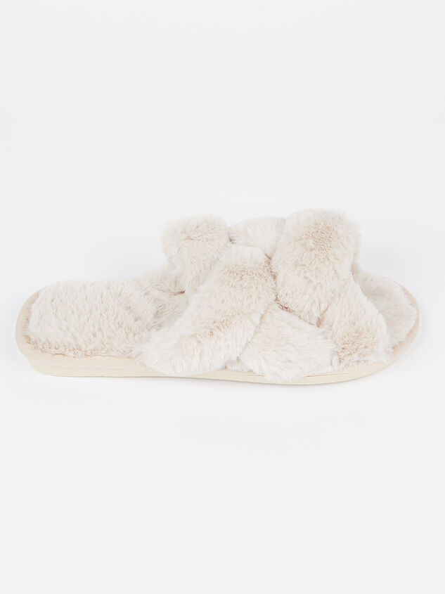 Forever Cozy Slippers Detail 2 - Altar'd State