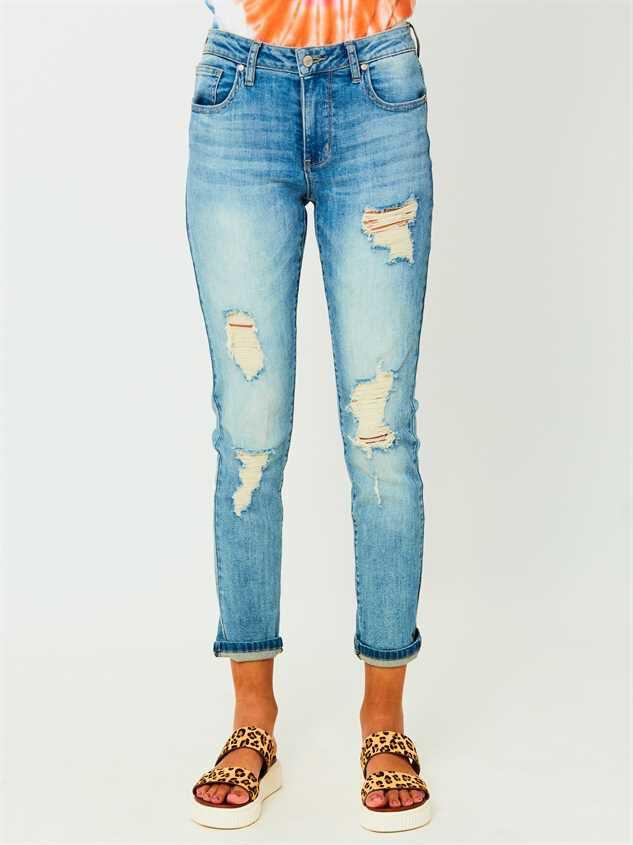 Loosen Up Jeans Detail 2 - Altar'd State