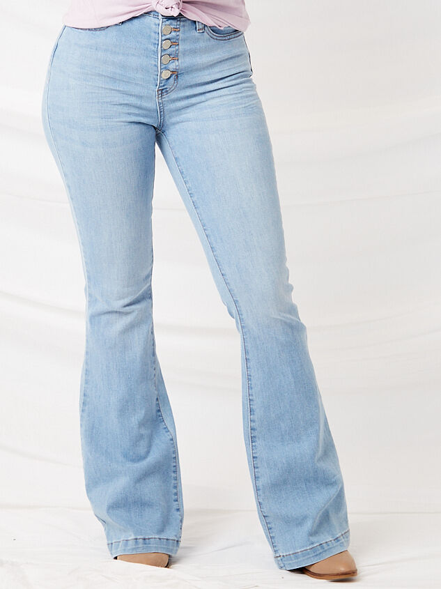 Crazy in Love Flare Jeans Detail 3 - Altar'd State