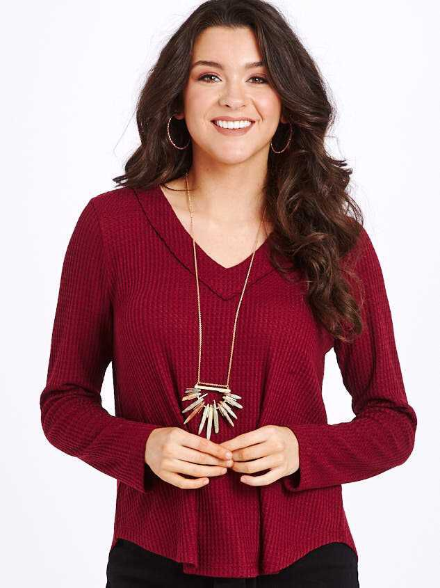 Dreamin' in Thermal Rounded Hem Top Detail 2 - Altar'd State