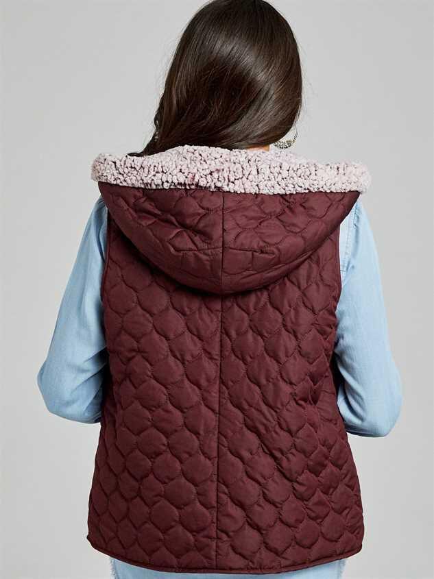Carmen Outerwear Vest Detail 4 - Altar'd State