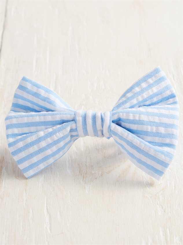 Bear & Ollie's Blue Seersucker Bow Tie Detail 2 - Altar'd State