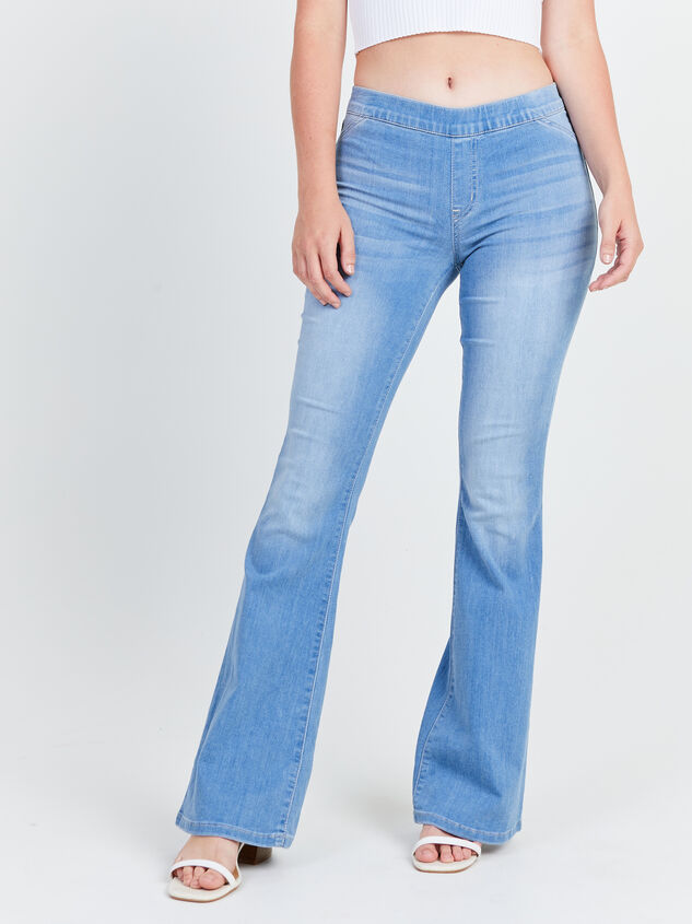 Luttrell Flare Jeans Detail 2 - Altar'd State