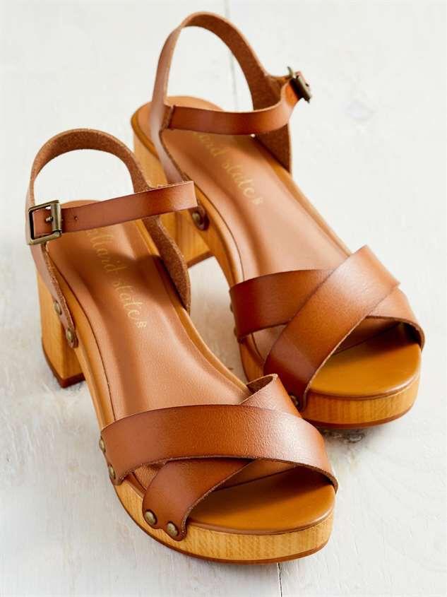 Navia Heels Detail 3 - Altar'd State
