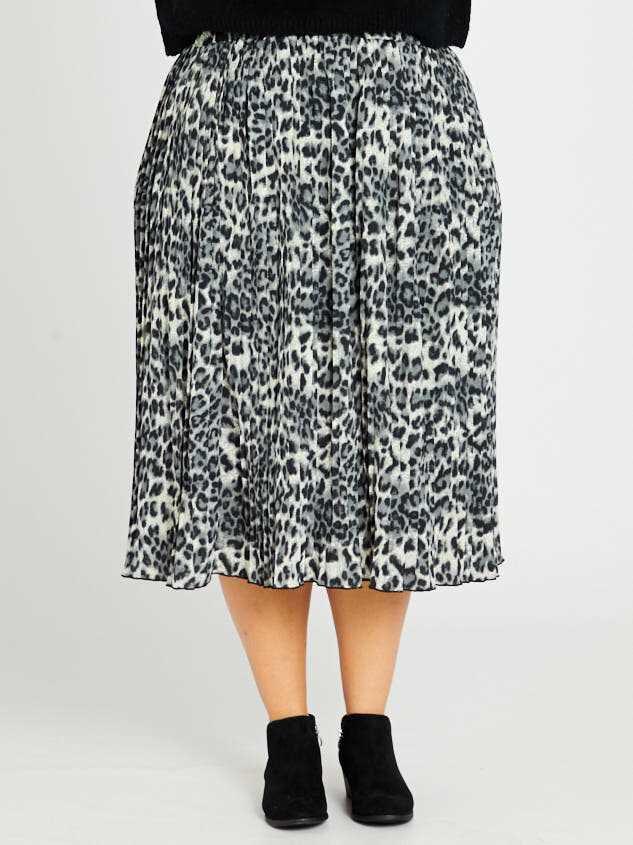 Leopard Midi Skirt Detail 2 - Altar'd State