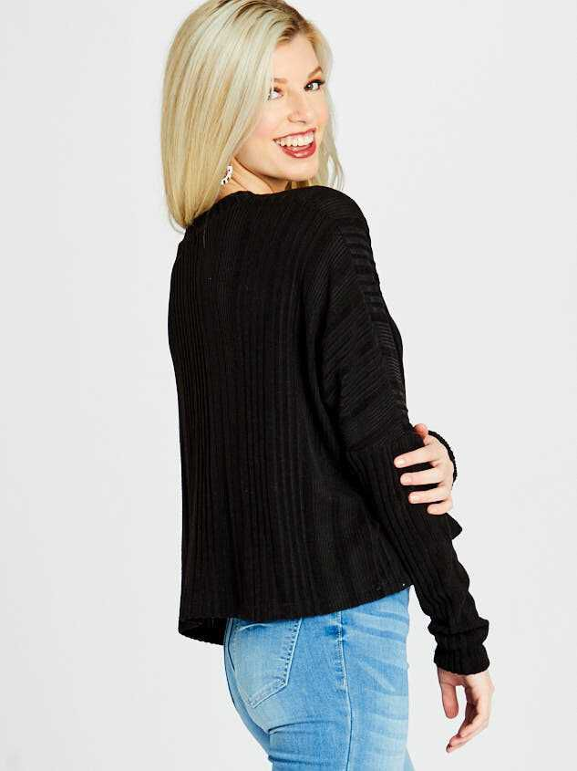 Shelby Cardigan Top Detail 2 - Altar'd State