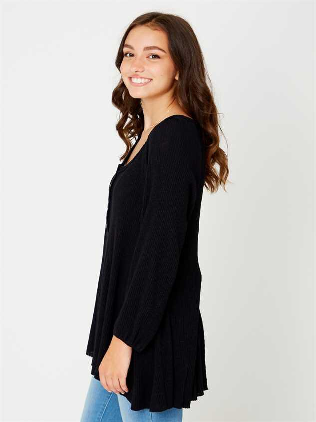 Lana Henley Tunic Top Detail 2 - Altar'd State