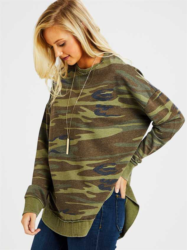 Camo Weekender Top Detail 3 - Altar'd State