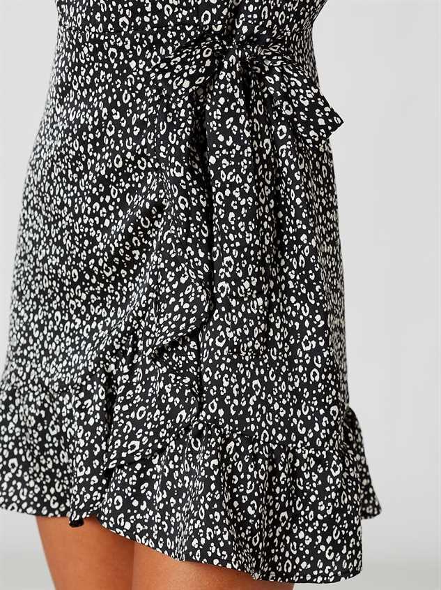 Ellison Dress Detail 4 - Altar'd State