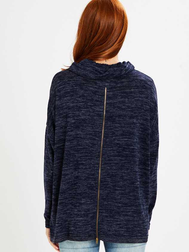 Barlow Top - Heather Navy Detail 3 - Altar'd State