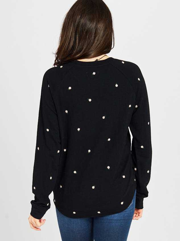 Oh My Daisy Top Detail 3 - Altar'd State