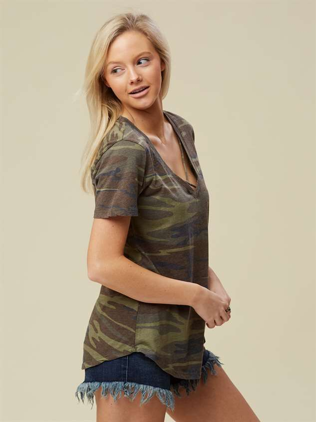 Favorite Fit Crossroads Tee - Camo Detail 2 - Altar'd State