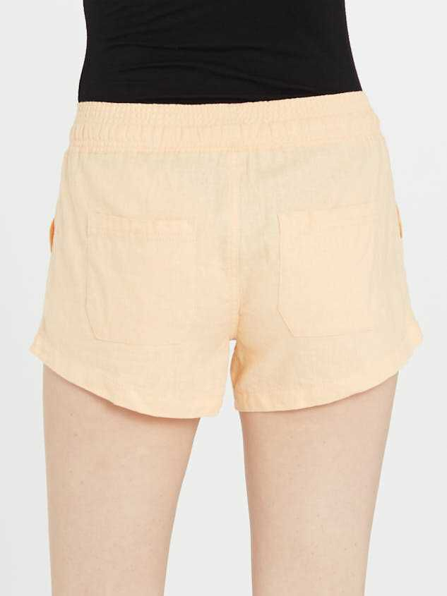 The Radiant Linen Shorts Detail 5 - Altar'd State