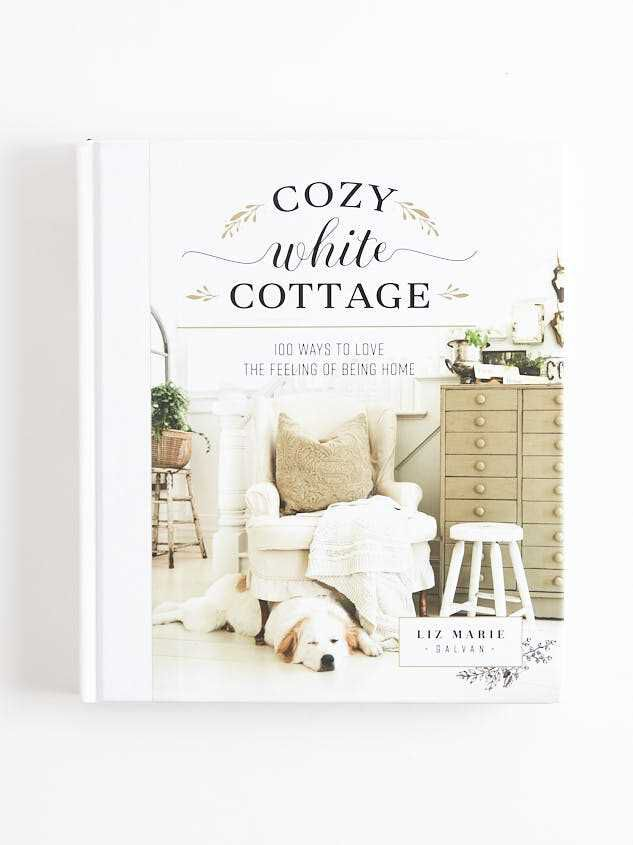 Cozy White Cottage - Altar'd State