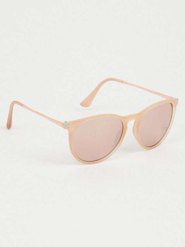 Harvard Yard Sunglasses Detail 1 - Altar'd State
