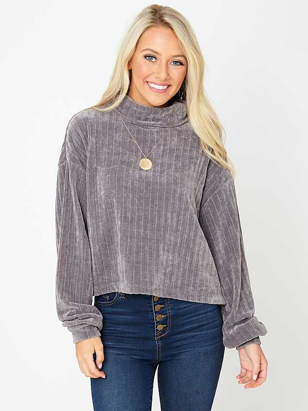 Hadlee Chenille Top - Altar'd State