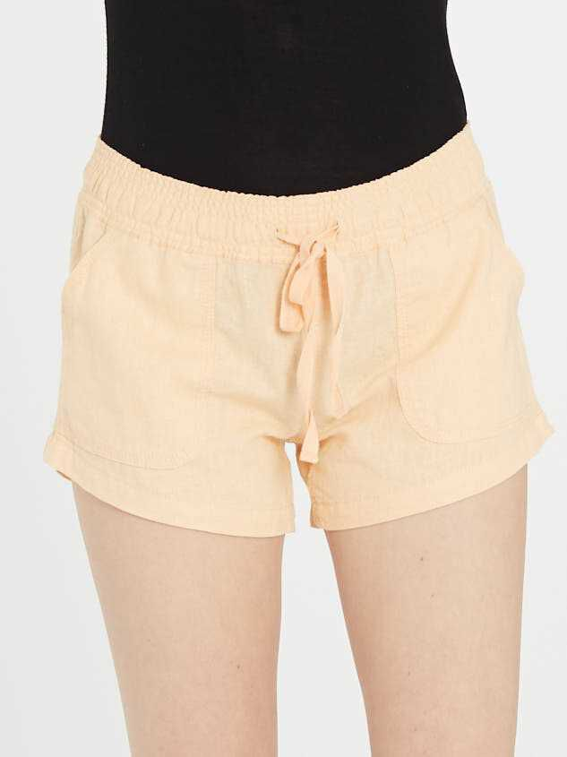 The Radiant Linen Shorts Detail 3 - Altar'd State
