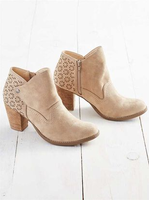 Yolanna Booties - Altar'd State