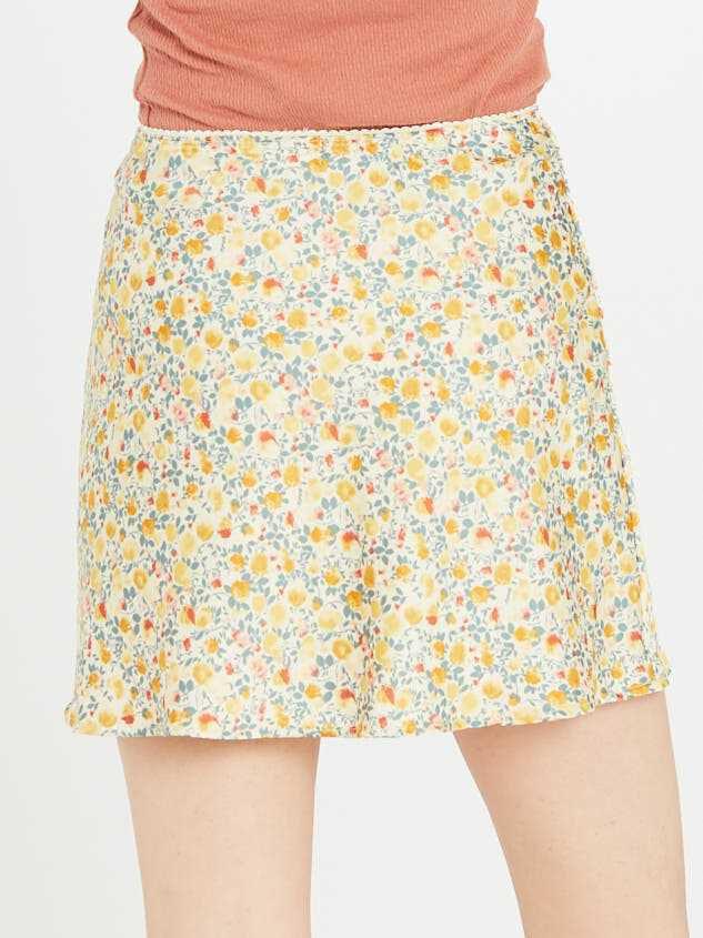 Buttercup Skirt Detail 4 - Altar'd State