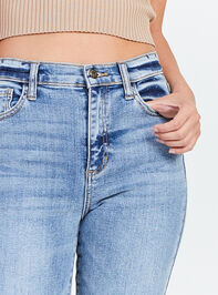 Alayna Jeans Detail 5 - Altar'd State