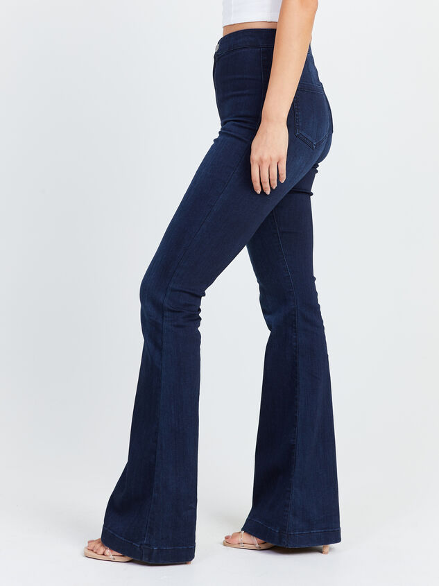 Bexley Flare Jeans Detail 3 - Altar'd State