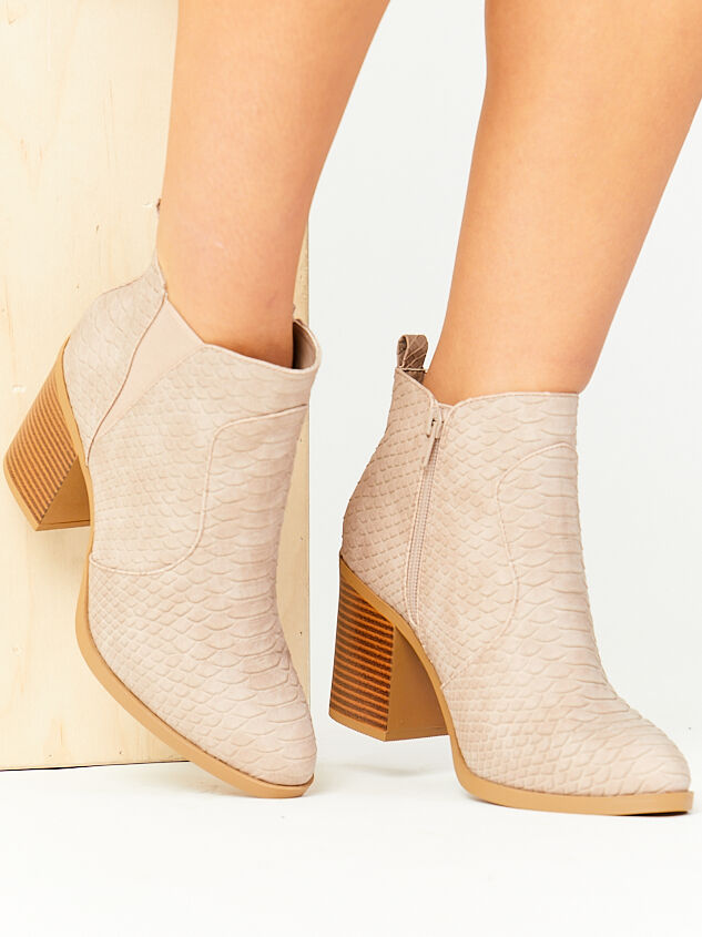 Kolby Booties - Taupe Detail 6 - Altar'd State