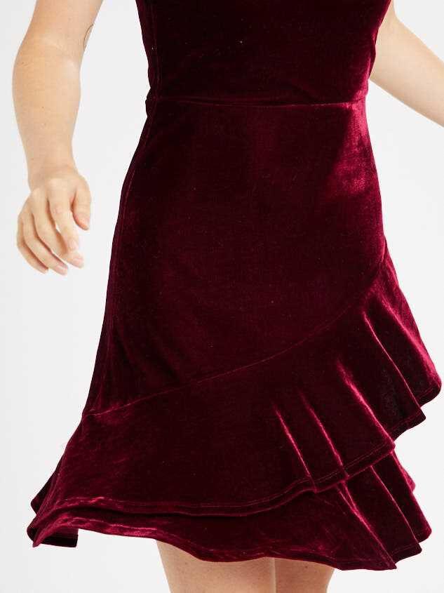 Kaz Dress Detail 5 - Altar'd State