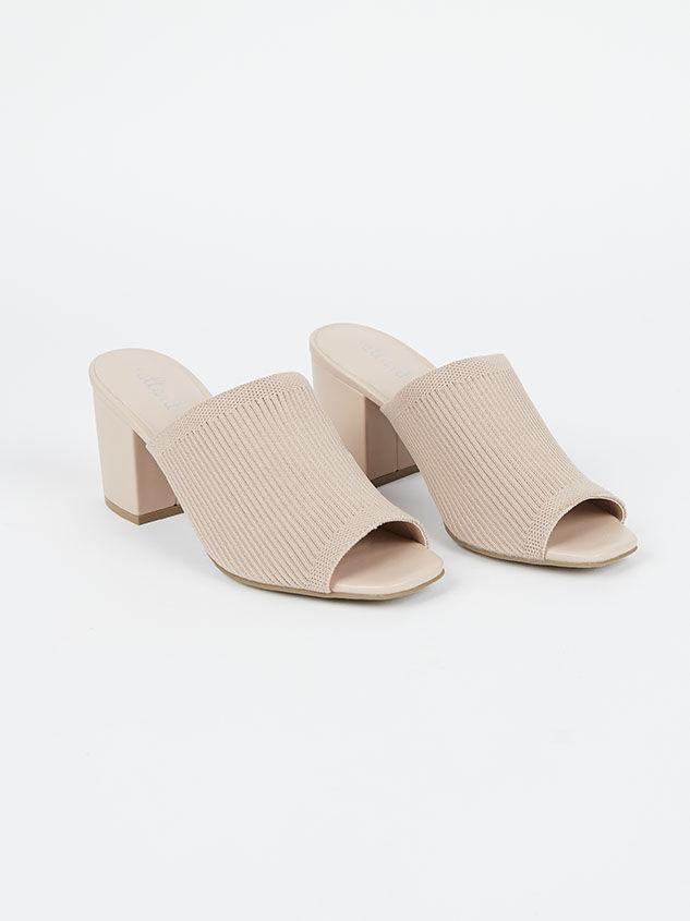 Daysi Heels Detail 1 - Altar'd State