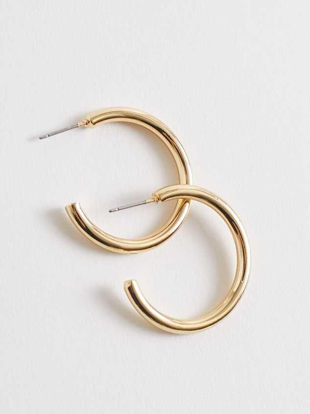 Jilli Hoop Earrings - Gold Detail 2 - Altar'd State