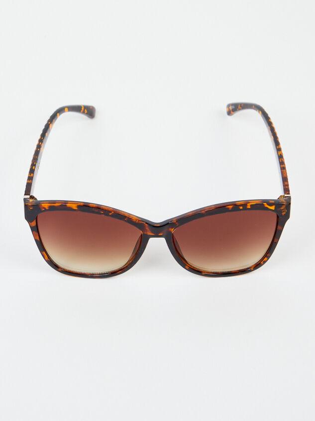 Dolman Sunglasses Detail 4 - Altar'd State