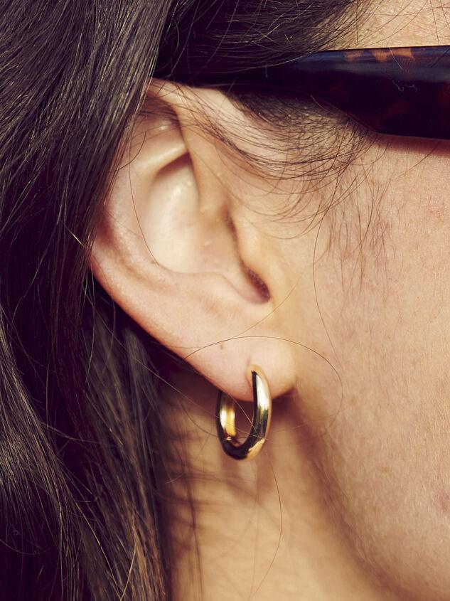 Arabella Earrings Detail 1 - Altar'd State