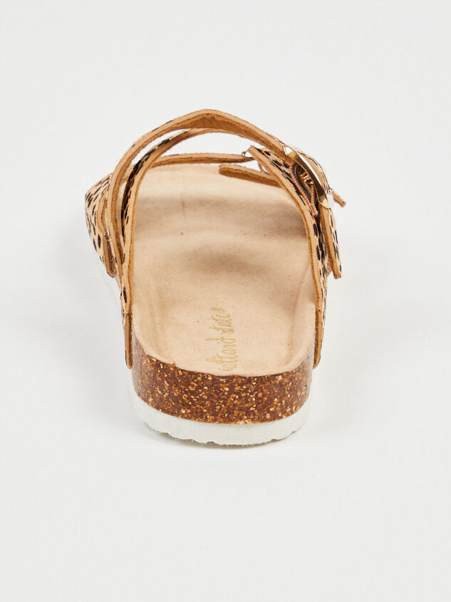 Chelsea Sandals Detail 4 - Altar'd State