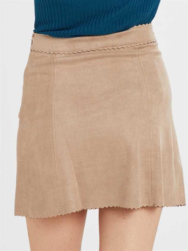 Averly Skirt Detail 4 - Altar'd State