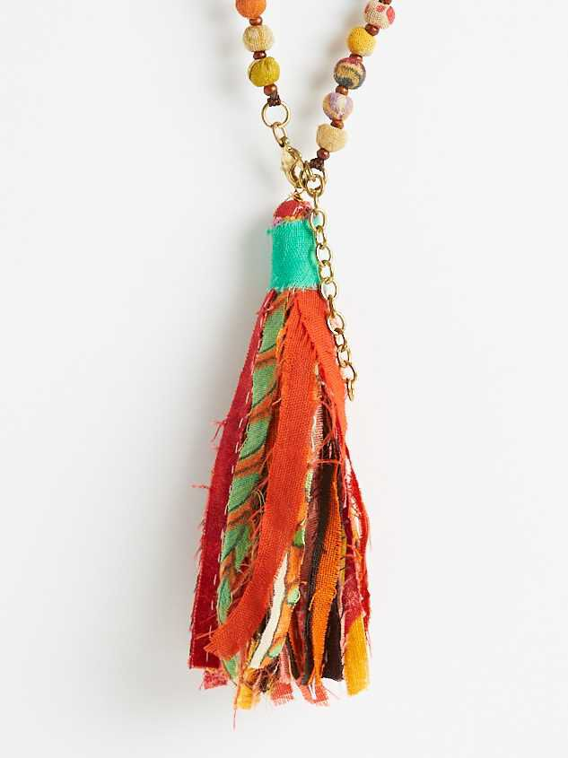 Fabia Tassel Necklace Detail 3 - Altar'd State
