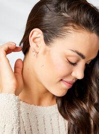 Azlynn Earring Set Detail 2 - Altar'd State