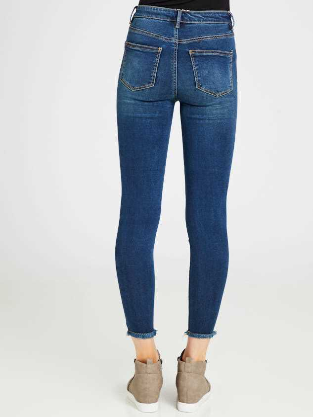 Eveleigh Jeans Detail 5 - Altar'd State