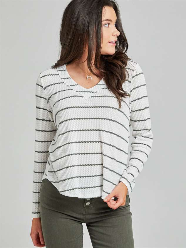 Dreamin' in Thermal Rounded Hem Top Detail 3 - Altar'd State