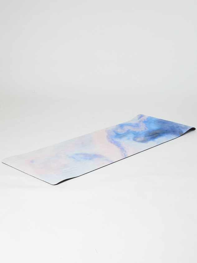 Revival Marble Yoga Mat Detail 2 - Altar'd State